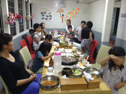 フィリピンで本場韓国焼肉!☆フィリピンドマゲッティ親子留学